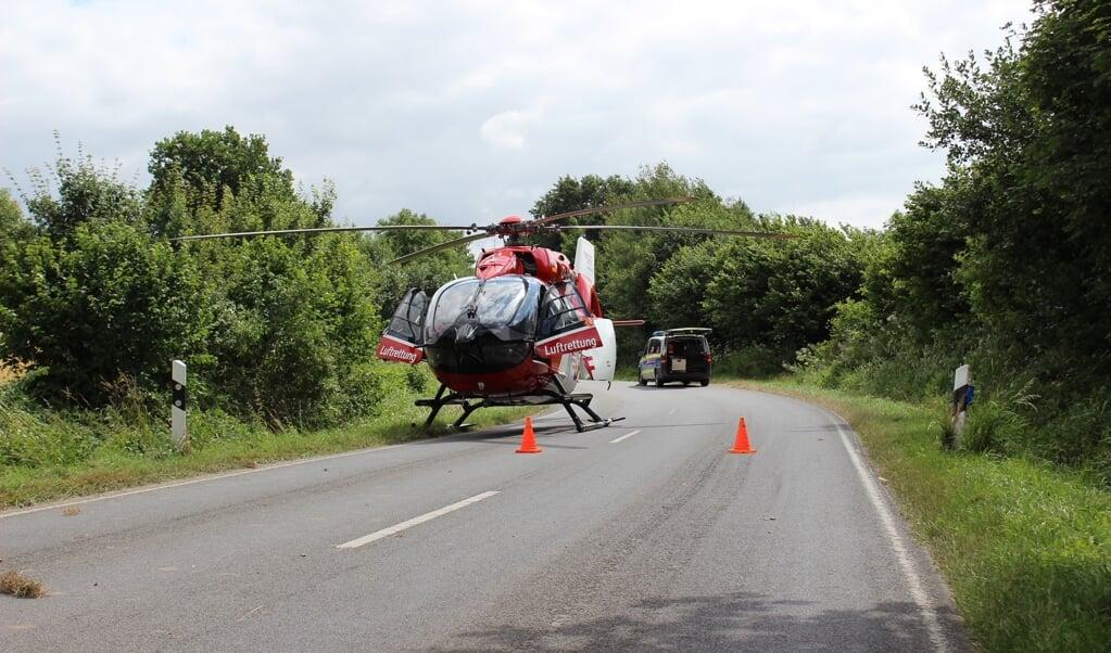 En redningshelikopter blev sendt til stedet. Men den unge mands liv stod ikke til at redde.    (Jasper Hentschel-)
