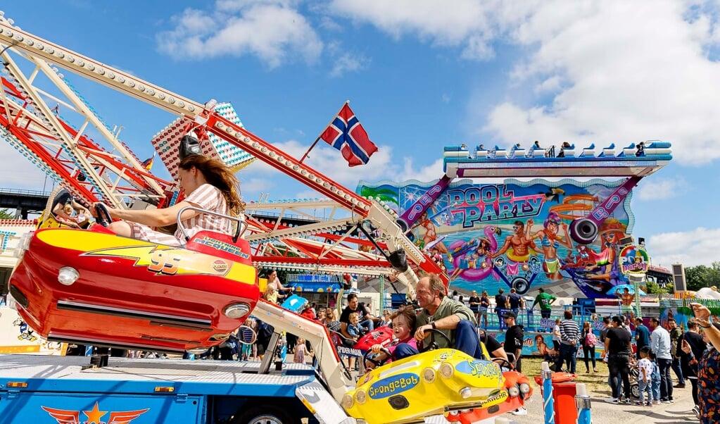 Lørdag var der masser af liv og masser af mennesker til årets første Jahrmark, der finder sted i Rendsborg.   ( Lars Salomonsen)