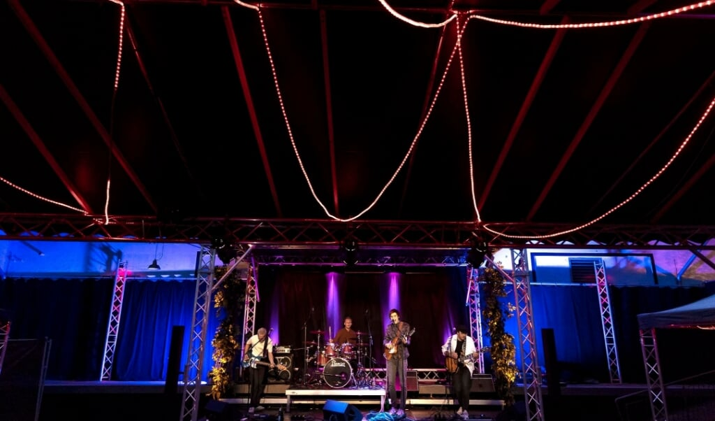Flensborg-bandet Ghosttrip stod på udendørsscenen ved Kühlhaus som nummer to i rækken lørdag aften. Fotos:  (Lars Salomonsen)