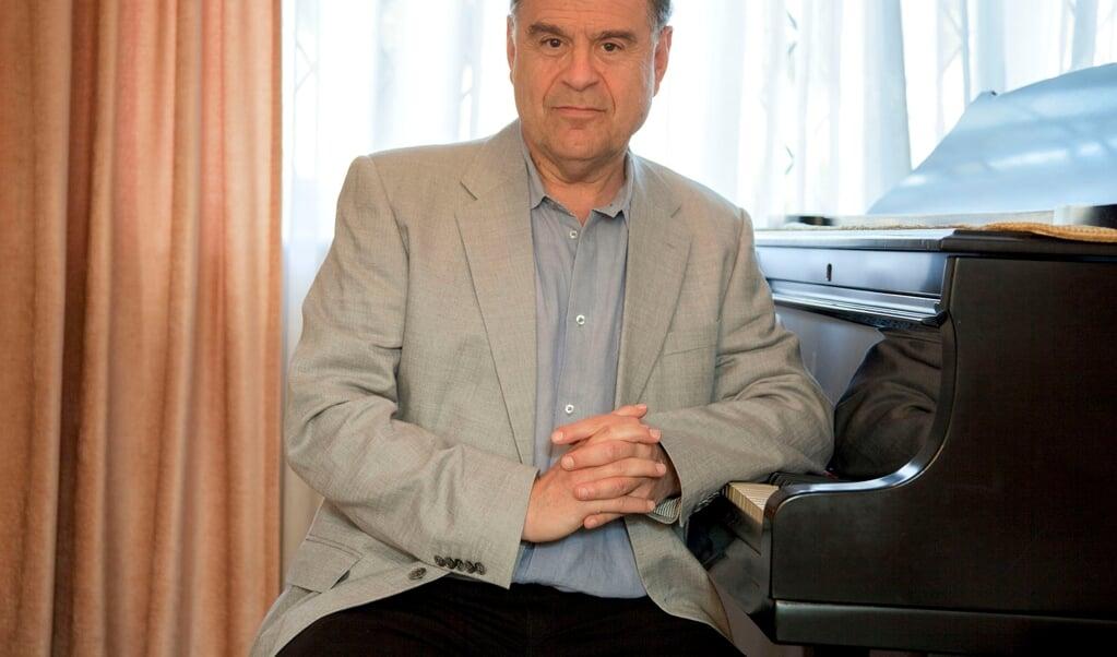 Michael Roll har tidligere spillet sammen med Sønderjyllands Symfoniorkester - blandt andet da orkestret var på jubilæumsturné gennem Tyskland i 2004.   (SSO)