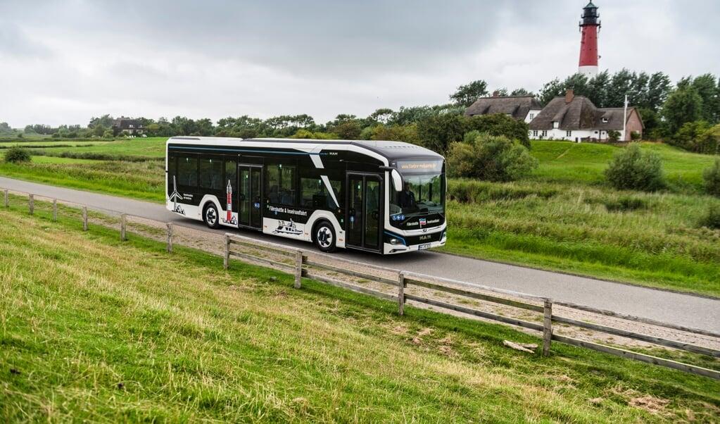Auf der nordfriesischen Insel Pellworm wurde jetzt ein vollelektrischer Bus in Dienst gestellt.   (MAN)