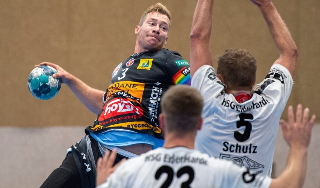 DHKs Ole Zakrzewski (t.v.) har ikke brækket kæben, men kommer formentlig ikke til at spille mod TSV Altenholz.  (Arkivfoto)