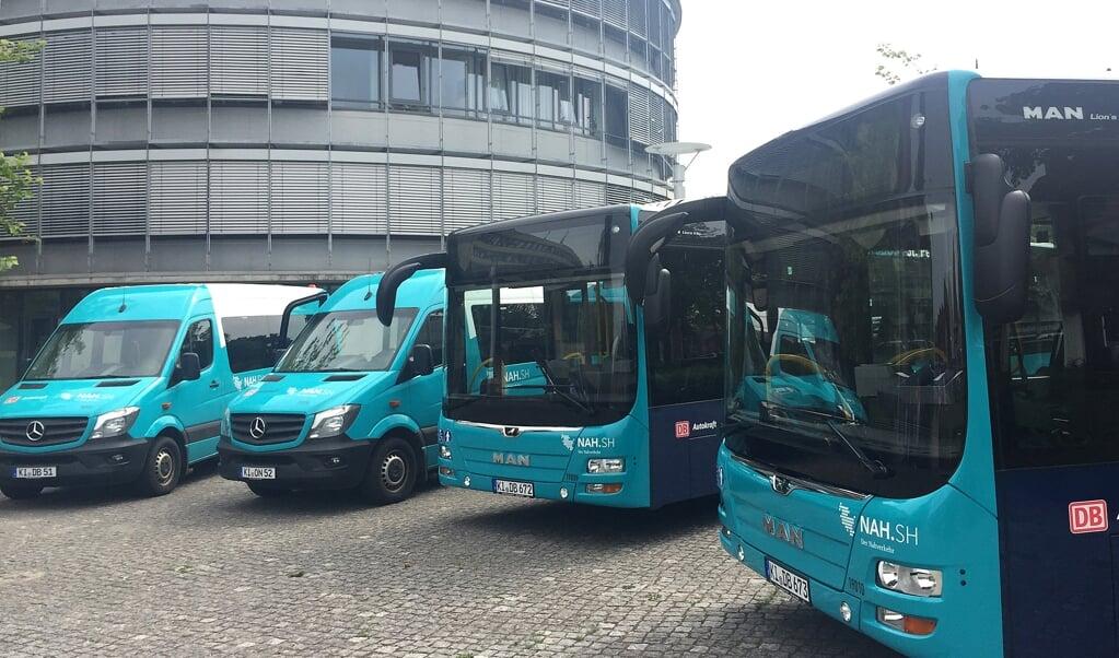 Siden 1. august 2019 har der kørt tilkaldebusser på det nordfrisiske fastland. Omkring 18 procent af turene bliver booket, men der er gode chancer for en større efterspørgsel, mener amtsrådspolitikere.   (Birgitta von Gyldenfeldt, dpa)