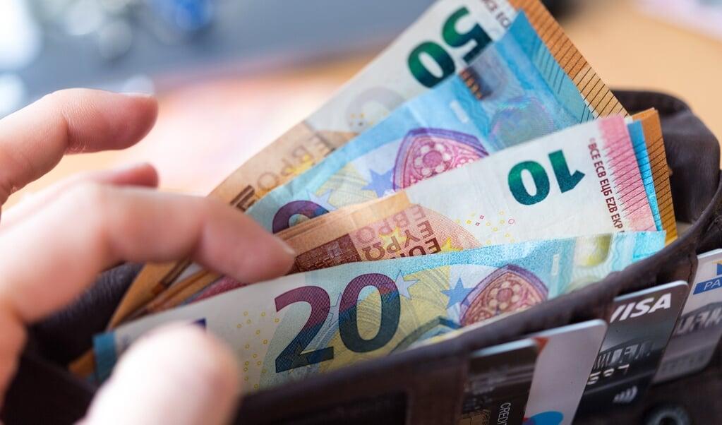 Die Schulden der Komunen bedeuten eine Pro-Kopf-Verschuldung von 1297 Euro. Archivfoto:  (dpa)