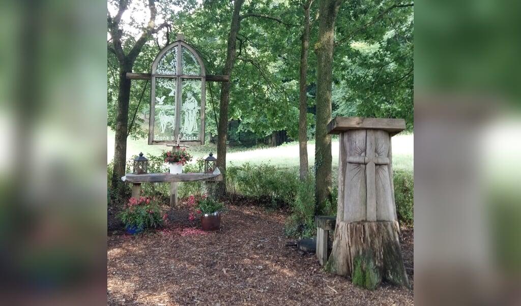 Alter og prædikestol  (Cecilie Brask)