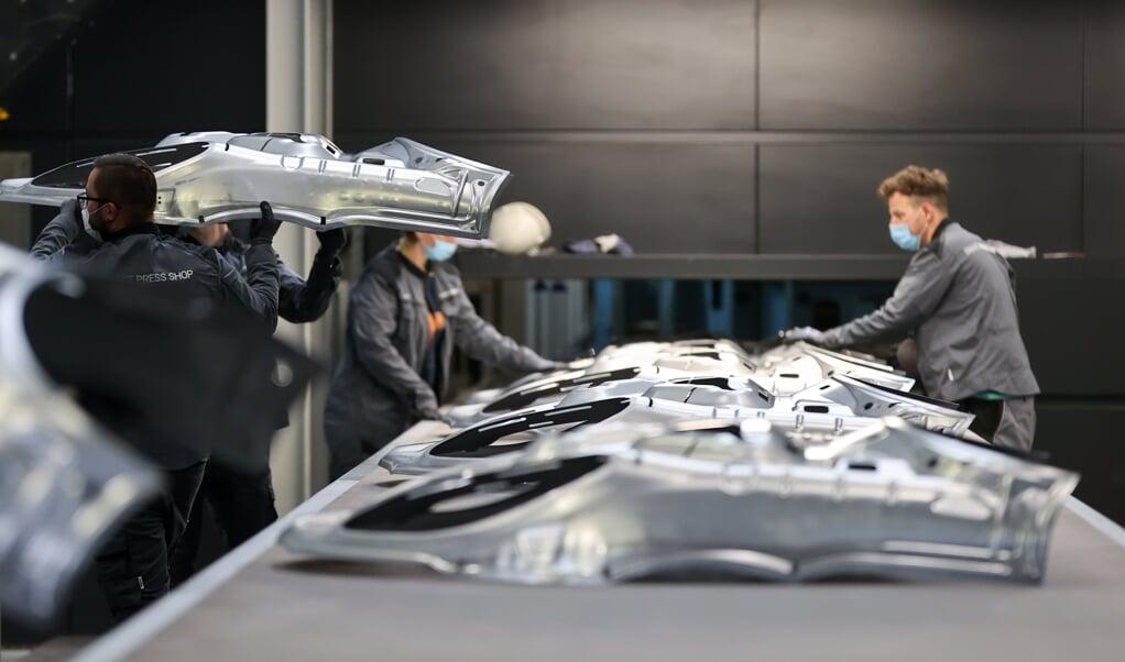 Ikke mindst bilproducenterne og deres underleverandører har det vanskeligt.    (Jan Woitas/dpa.)