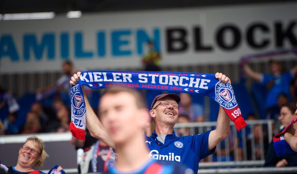 Das Stadion von Holstein Kiel darf mit deutlich mehr Menschen gefüllt werden.  ( dpa)
