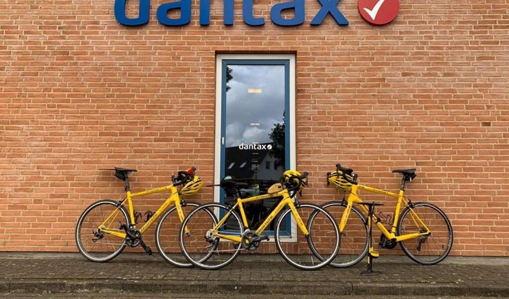 De 23 cykelryttere mødtes forleden hos Dantax i Harreslev.   ( Team Rynkeby Flensburg)