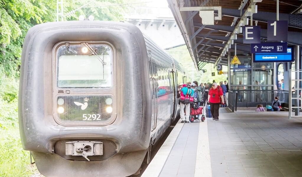 Selvom der går tog fra Flensborg over grænsen til Danmark, kan man ikke checke ind eller ud med sit rejsekort på banegården i Flensborg. Arkivfoto:  (Sebastian Iwersen)