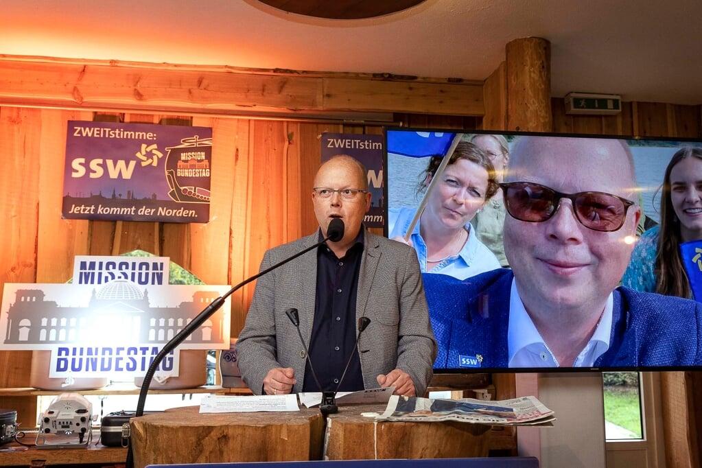 Tirsdag aften indledte mindretalspartiet SSW valgkampens slutspurt. Med fem dage tilbage er der stadig meget at kæmpe for, sagde SSW-spidskandidaten Stefan Seidler.    (Lars Salomonsen)