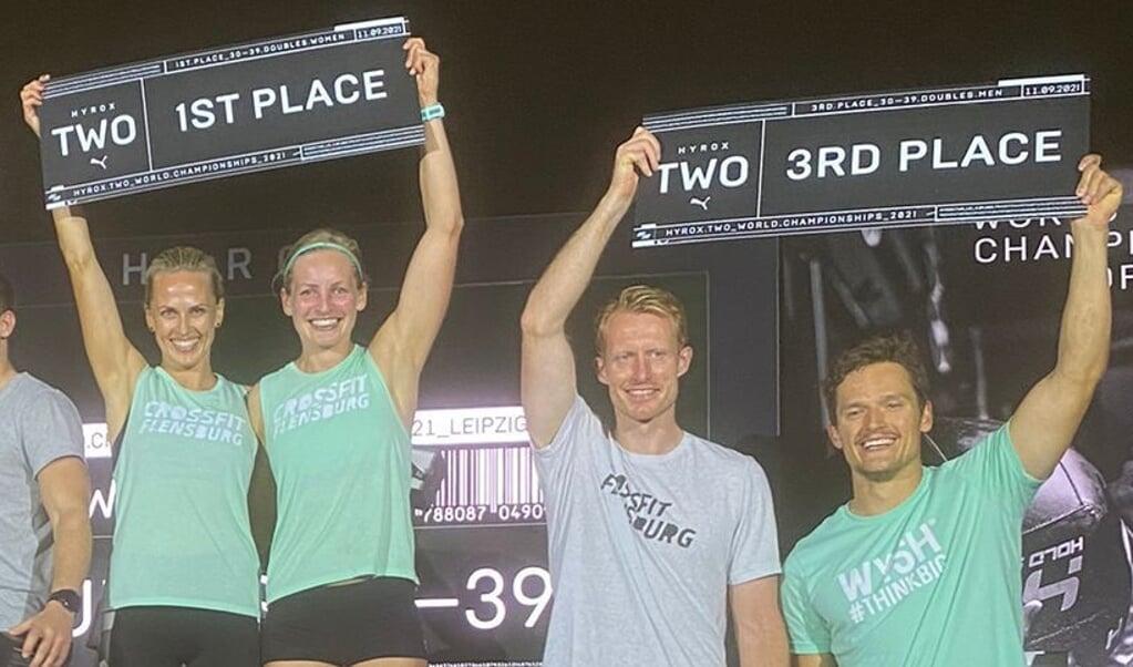 Bente Pries (v. l.) und Agnes Schulz holten den Gesamtsieg, Finn Schulz und Bo Kruse belegten Rang drei in ihrer Altersklasse.  (Privatfoto)