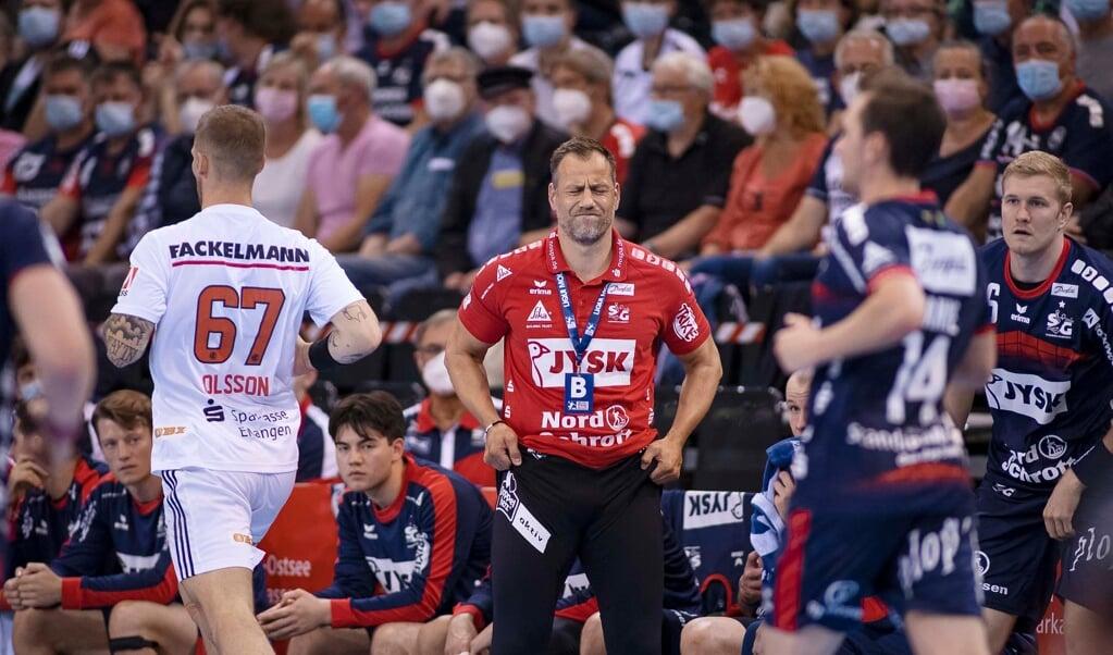 Die harte Champions League-Gruppe löst bei SG-Trainer Maik Machulla (Mitte) derzeit nicht nur Freude aus.  ( Lars Salomonsen)