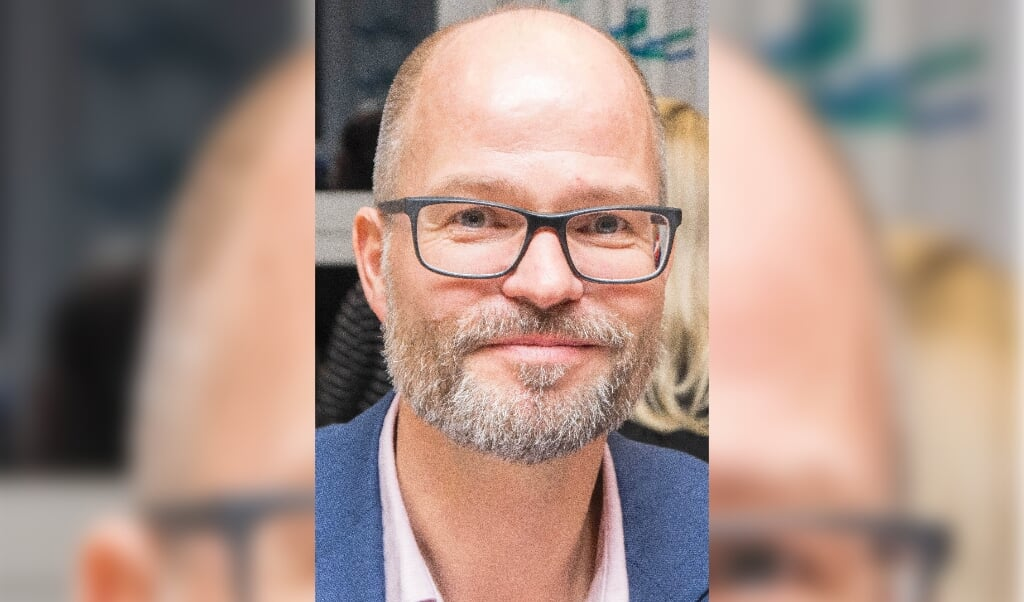 Søren Harnow Klausen er professor i filosofi ved Syddansk Universitet og bosat i Flensborg.