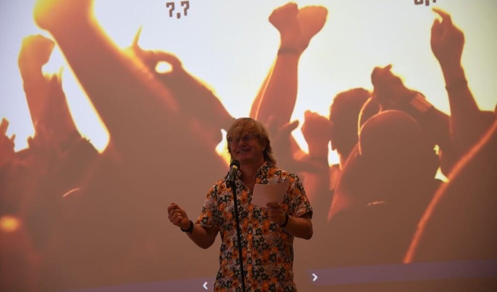Poetry slam er en genre for sig, og i denne uge lærer 2g'erne på  Aabenraa Statsskole mere om, hvad det går ud på.  ( Tina Aviaja Pilgaard)