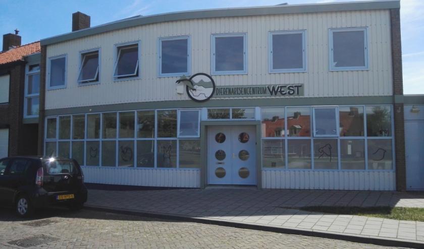 Dierenartsencentrum West in Oostburg is van mening dat de zorg voor dieren belangrijk is, ook nu.