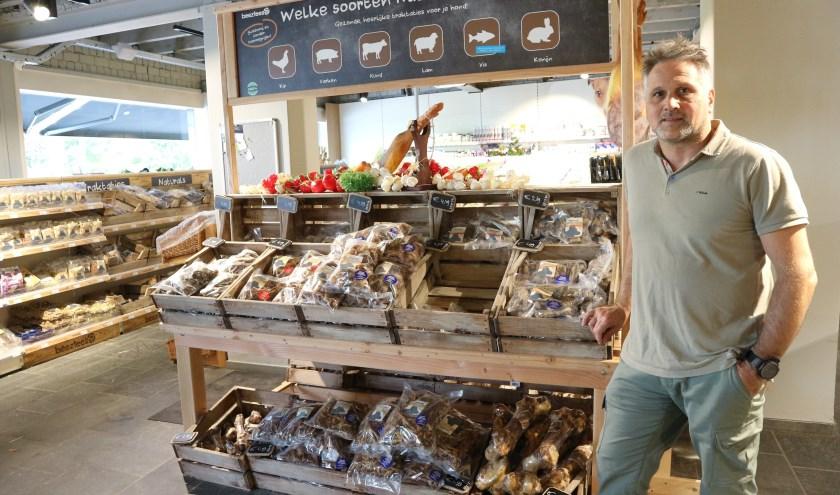 Coen de Bruijn, eigenaar van dierenwinkel Pets&Co Hulst. Foto: Gertie De Boey.