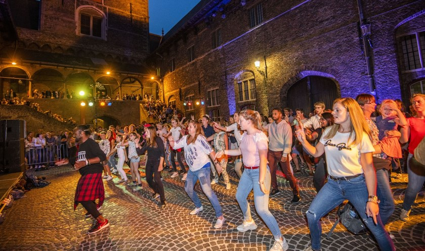 Hou je van dansen? Zaterdagavond kun je je hart ophalen in Brugge. Foto Alex Vanhee.