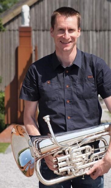 De masterclass wordt verzorgd door Edwin de Neijs, euphoniumspeler bij het Orkest van de Koninklijke Luchtmacht.