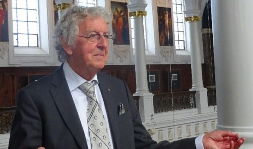 Anton de Kort (74) uit Hulst viert dit jaar zijn vijftigjarig (kerk)koorleiderschap voor de parochie Maria Sterre der Zee.