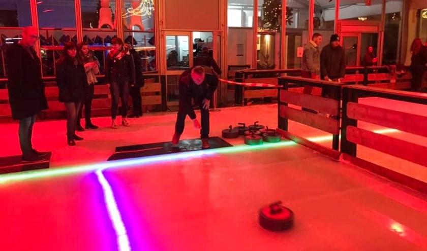Op de schaatsbaan in Sluis wordt zaterdag 4 januaride finale gespeeld van detweede curlingcompetitie.