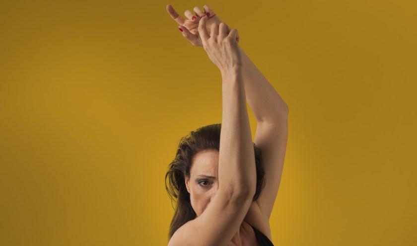 Choreografe Isabelle Beernaert is zaterdag 8 februari te zien in het Scheldetheater in Terneuzen.