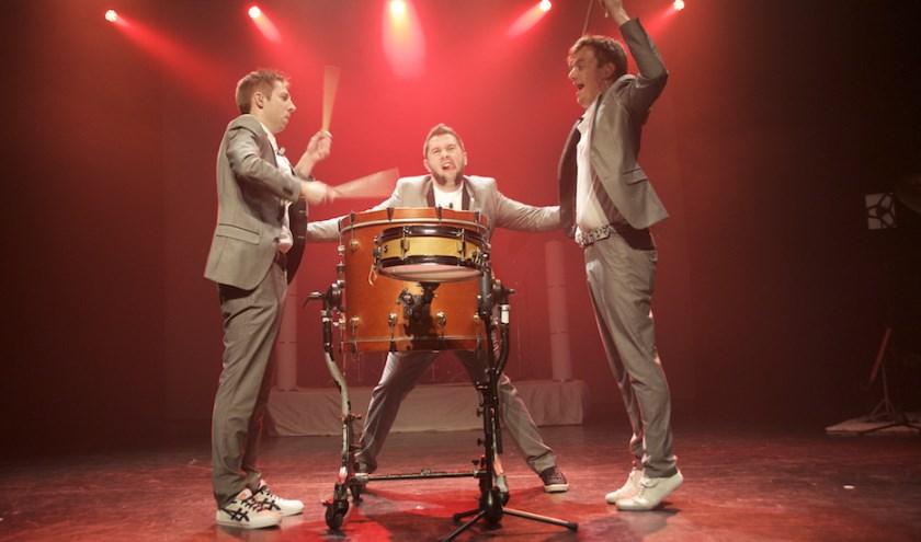 Sam Gevers, JefVerheyden en Bert Van Rillaer vormen samen Percussive. Ze zijn op woensdag 19 februari te zien in het Ledeltheater in Oostburg.