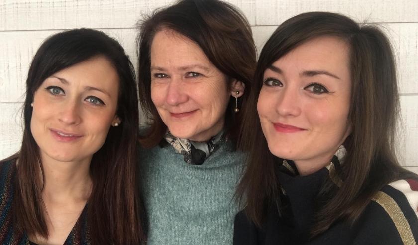 Sophie, Sandra en Anne Meerschaert houden zondag 8 maart een tweede Internationale Vrouwendag in Malpertuus in Clinge.