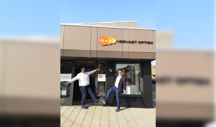 Bart Vervaet van Vervaet Optiek en Tommy van Overmeeren van UM Zeeland geven een vakantie naar Ibiza weg.