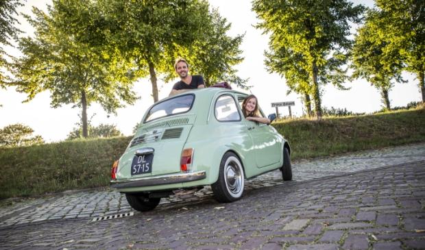 Wouter Mahu en Kimberley van der Loo zitten in de organisatie van ZomerFilm Hulst. Foto Gino van den Broecke