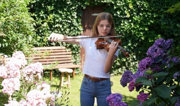 Eline wil haar eigen muziek componeren