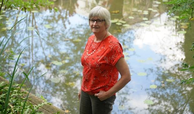 Saskia de Kroes geniet van haar tuin