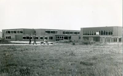 De vroegere mavo Wilgenbroek werd in 1980 officieel geopend. Momenteel dient het gebouw als brede school. (Archief Brabants Centrum).