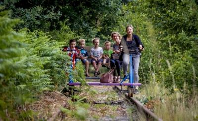 Tijdens Boxtel En Route in 2017 was railfietsen over het Duits Lijntje een van de activiteiten. Toen liep het traject tussen de Laarakkerweg en de Gemondesestraat. (Foto: Peter de Koning, 2017).