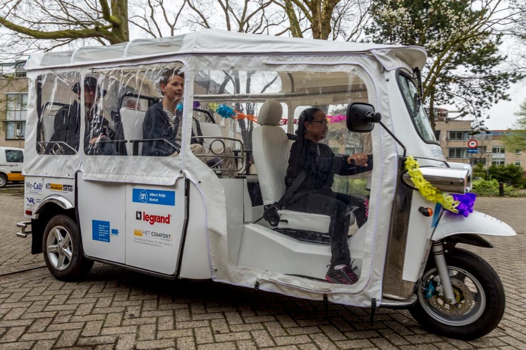 <p>De drie jaar geleden ge&iuml;ntroduceerde tuktuk Zilverexpress is slechts zelden in het straatbeeld te zien.</p>