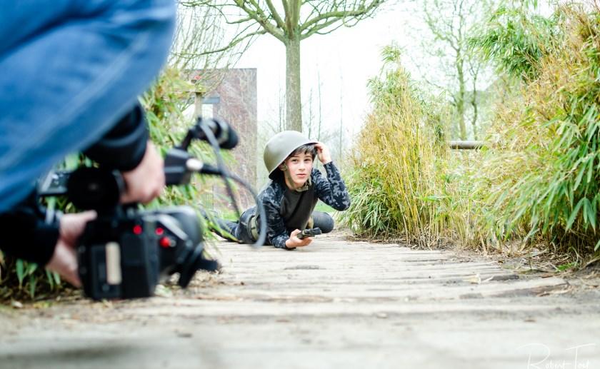 Basisscholen in Boxtel zijn al sinds de start van dit schooljaar bezig met lessen over film, en hanteren ook de camera. (Foto: Robert Toet)..