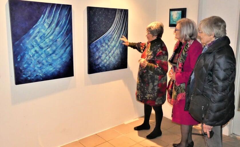 Plaatje van de opening van de expositie van Kunstlicht 99. (Foto: Ad van de Wetering).