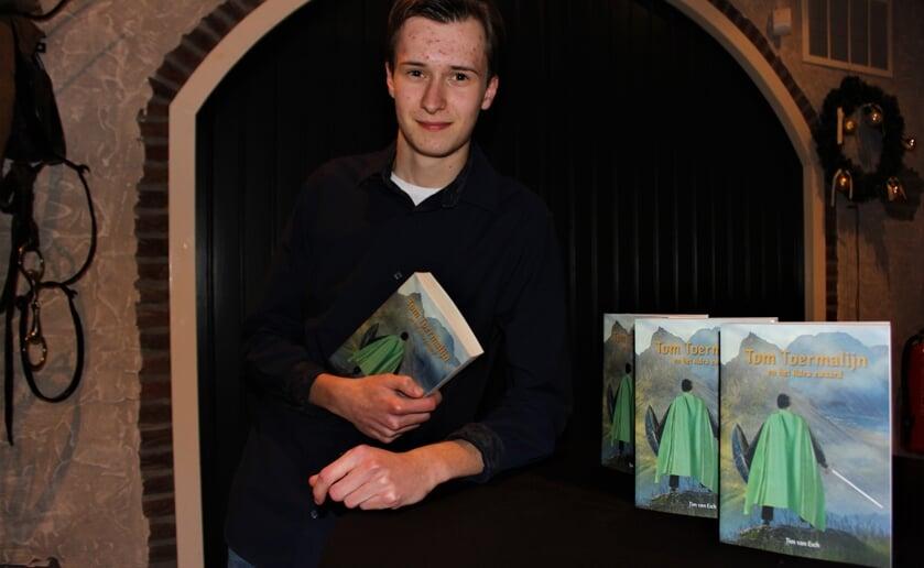 Tim van Esch was vijf jaar doende met het eerste deel van de trilogie Tom Toermalijn en het Adra zwaard. Foto Wendy van Lijssel