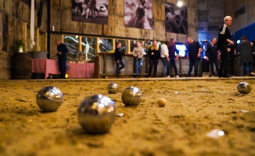 Dat het een rage is geworden, kun je wel stellen. Na Amsterdam, Utrecht, Rotterdam en Utrecht poppen de Jeu de Boules-bars uit de grond.