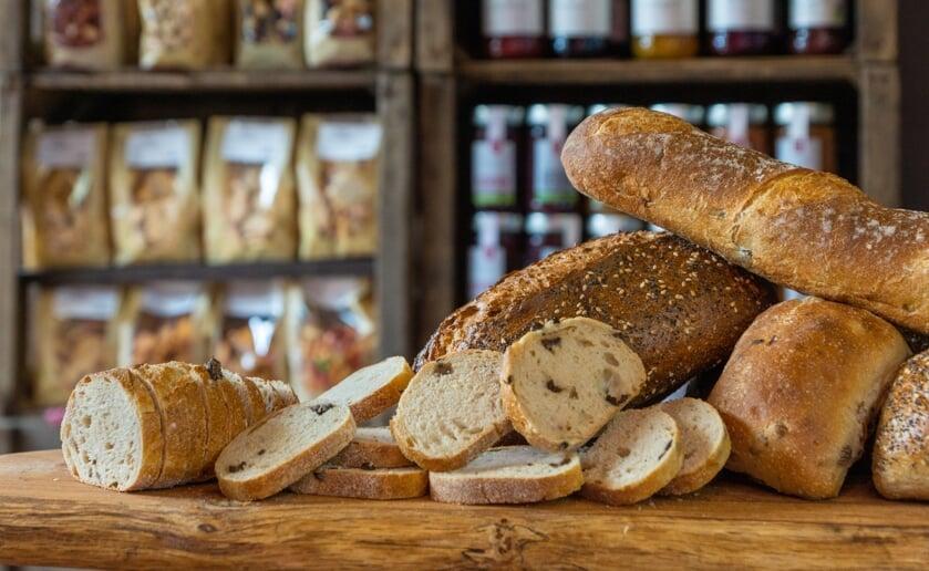 Er is van alles te proeven, zoals heerlijk vers brood.
