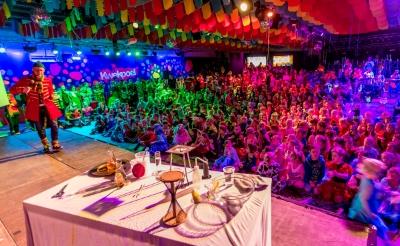 <p>Het donseendjesfeest in de Kwekpoel wordt op maandagochtend met carnaval altijd drukbezocht.</p>