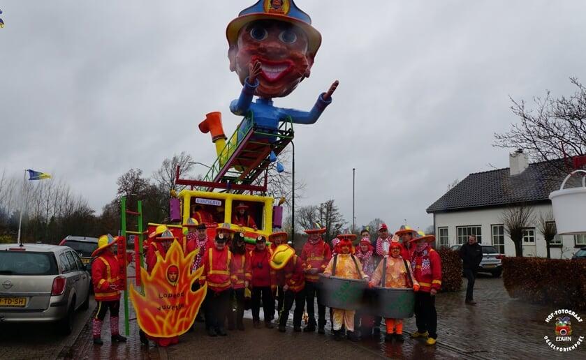 Zondag 22 maart wordt alsnog de carnavalsoptocht in Oggelvorsenpoel gehouden en zijn ook buitendorpse loopgroepen en praalwagens welkom deel te nemen. Foto Edwin Diependaal