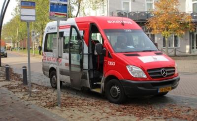 <p>Vanaf maandag 1 maart rijden de buurtbussen weer. (Foto: archief Brabants Centrum).</p>