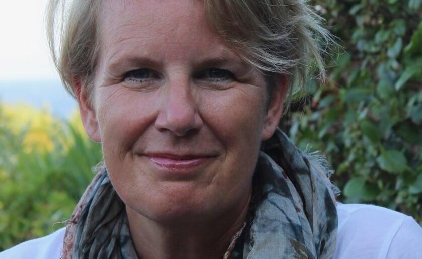 Spreker Corine Jansen belicht het onderwerp rouw(en) van alle kanten tijdens de Internationale Dag van de Palliatieve Zorg