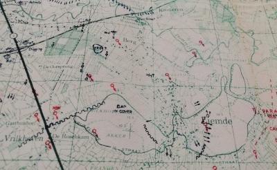 <p>Deze stafkaart uit de tijd van de Tweede Wereldoorlog wordt gebruikt tijdens de fietsexcursie langs de bevrijdingsroute van de Schotse militairen.</p>