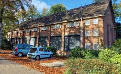 <p>Het voormalige schooltje van de paters assumptionisten wordt verbouwd tot appartementen voor starters. (Foto: Jan Hermens)</p>