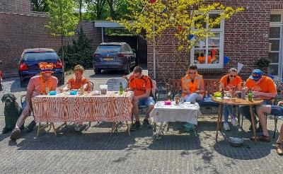 <p>Vorig jaar was er in Esch een voordeurbingo, nu zijn er speurtochten voor kinderen. (Foto: Rens van den Elsen).</p>