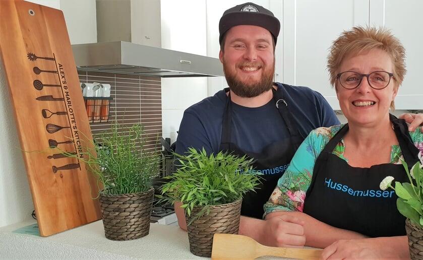 Alex en Agnes van Son hebben een gezamenlijke passie voor koken en een eigen site vol recepten. foto: Arno van Son