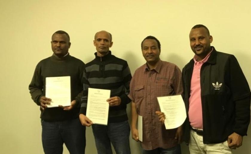 Op de foto van links naar rechts: Tesfalem, Azmera, Tsegay en Hagos tekenden dit jaar een contract bij Vion. Foto: Archief.