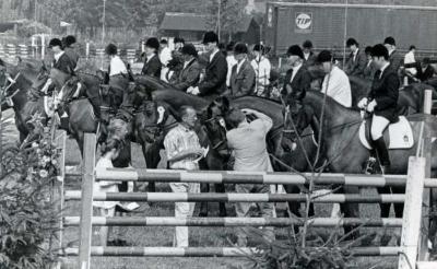 <p>Paardenconcours van hippische sportvereniging Sint-Martinus in 1996.</p>