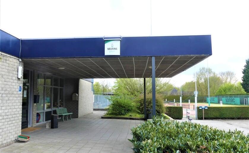 <p>Sportcomplex De Braken in Boxtel is vanaf half mei het toneel voor het zetten van vaccinaties tegen het coronavirus. Foto: Ad van de Wetering.</p>